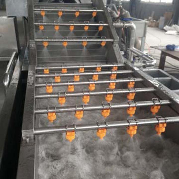 Bubble cleaning machine for vegetables