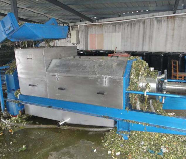 Kitchen waste dewatering