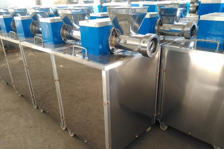 pasta maker machine in stock