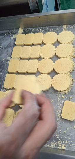 peanut cake making