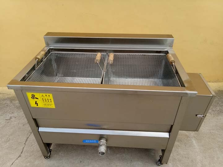 deep fryer with two processing pots