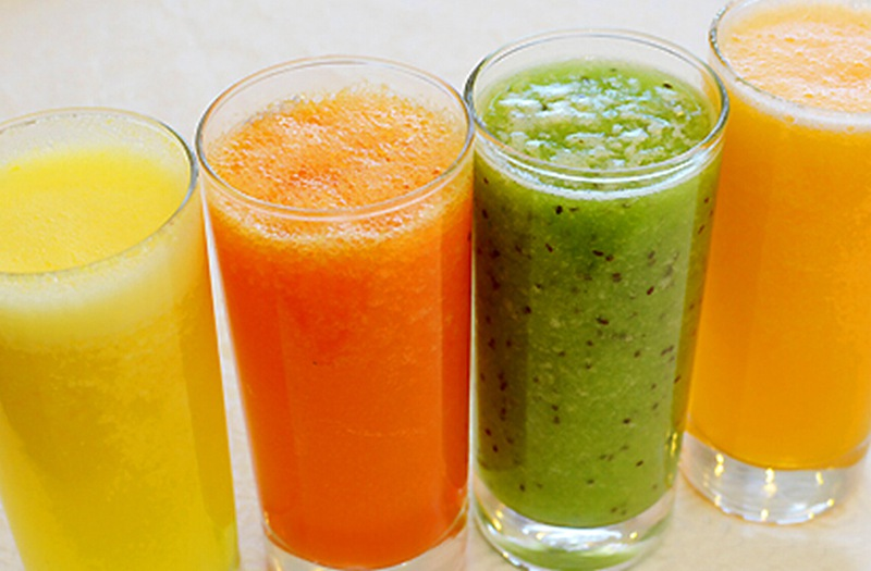 fresh fruit juice from the electric fruit juicer