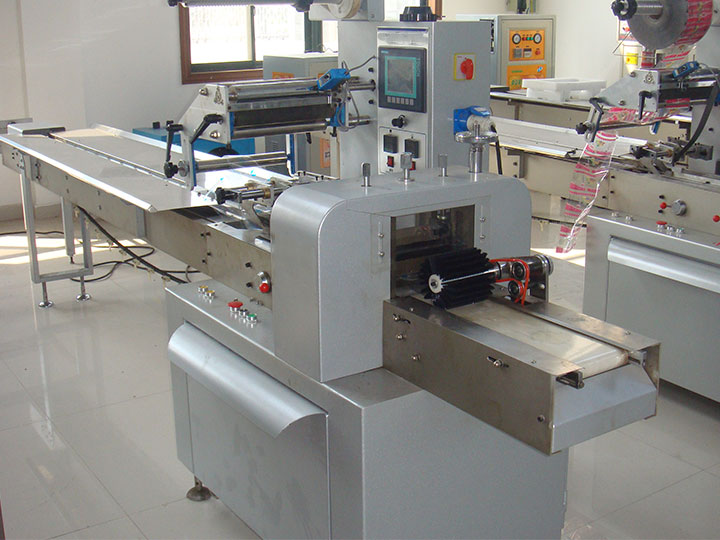 continuous sponge cake packaging machine