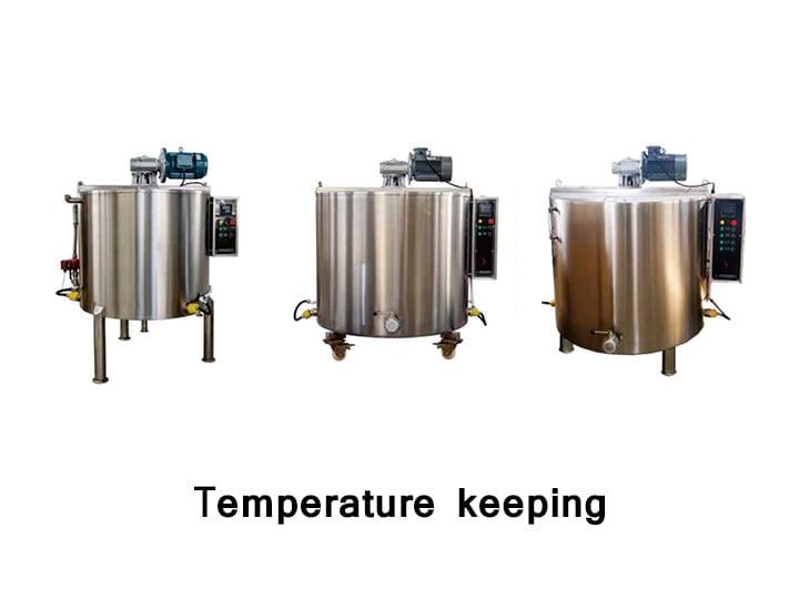 Temperature holding tank